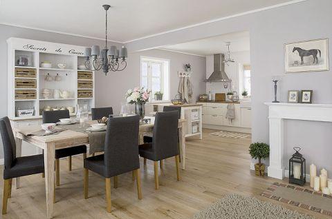 Kuchnia, salon i jadalnia to jedno wielkie pomieszczenie.