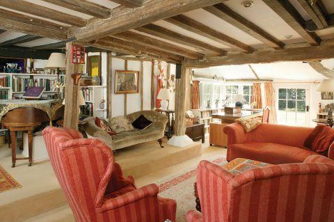 rezydencja salon czerwona tapicerka