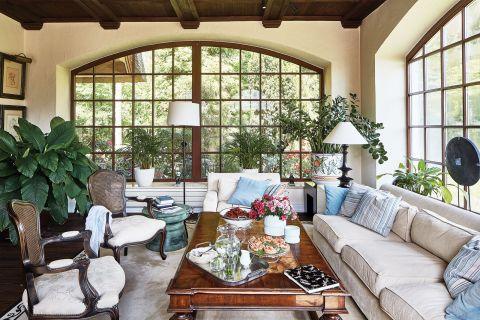 dom w stylu country salon symetria