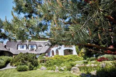dom w stylu country zieleń
