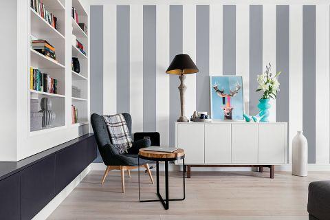 Graficzne zabawy: malowane w pasy ściany.