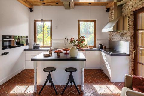 kuchnia w stylu rustykalnym aranżacja