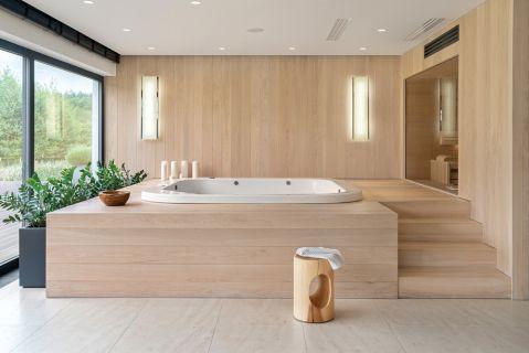 nowoczesna łazienka z drewnem