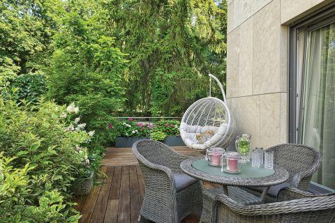 aranżacje ogrodu ze skarpą