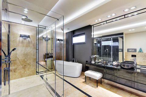 W domu urządzono piękny i przestrzenny salon kąpielowy w stylu art deco.