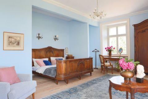 sypialnia w pałacu w Piszkowicach
