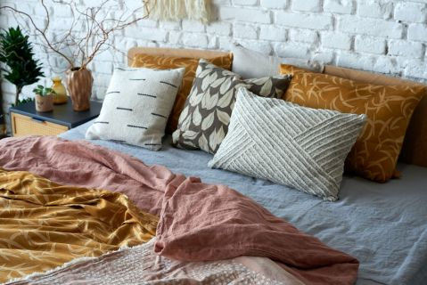 tkaniny które ocieplą sypialnię