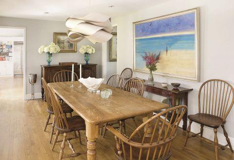 Dom w stylu Nantucket jadalnia