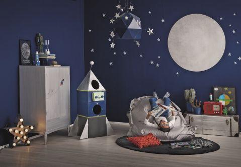 granatowy pokój dla dziecka