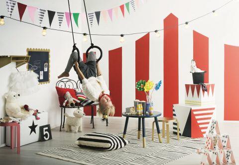 biały czerwony pokój dziecka