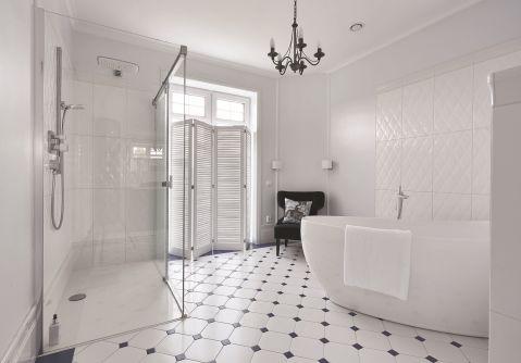 styl francuski biała łazienka