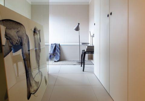 modernistyczny dom - łazienka