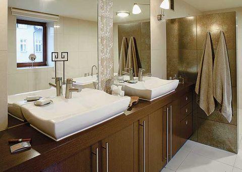 Łazienka w spokojnych kolorach, urządzona tak, aby się szybko nie opatrzyła.