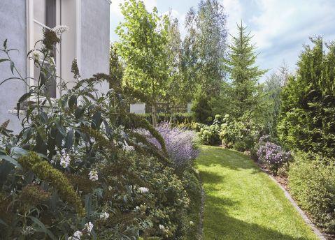 styl francuski dom z ogrodem