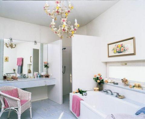 Ciekawe rozwiązanie kwestii kabiny prysznicowej.