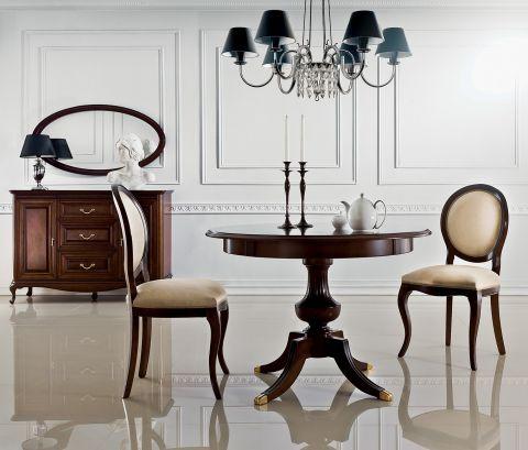 stół i krzesła do jadalni w stylu francuskim