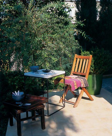 Śniadanie w słoneczny dzień- tylko na tarasie.