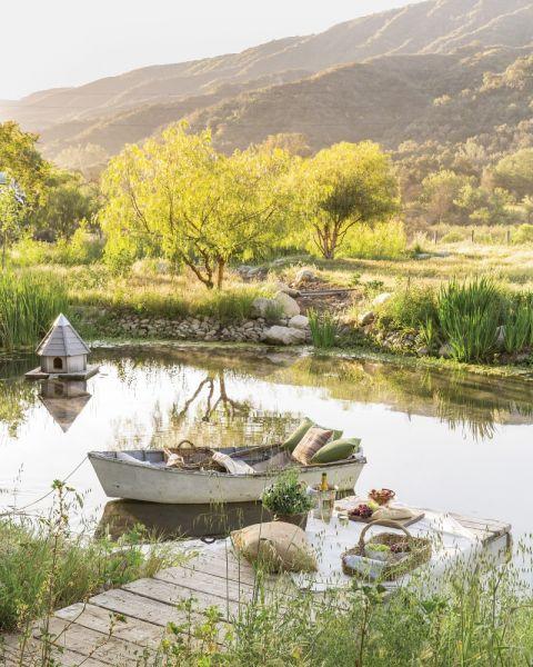 dom z tarasem nad jeziorem