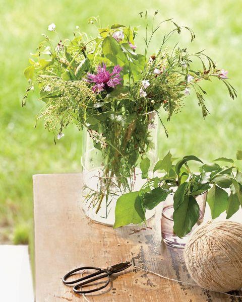 w rustykalnym stylu ogród kwiaty