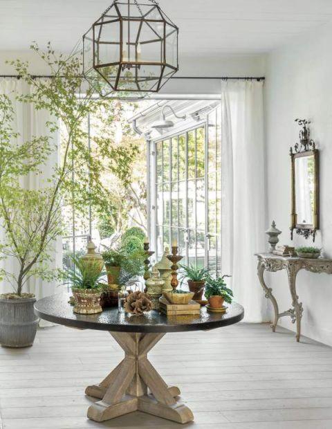 salon w stylu klasycznym meble i dekoracje