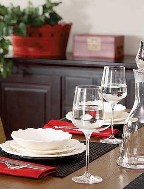 Zastawa stołowa idealnie komponuje się z wnętrzem.