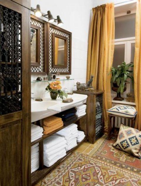 Łazienka jak orientalny namiot. O kolorach w życiu i mieszkaniu