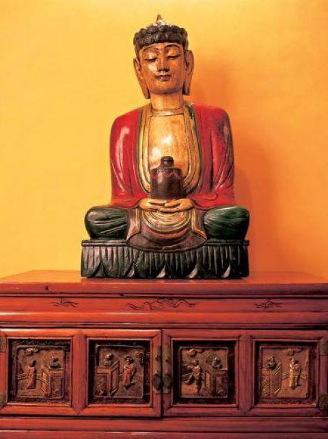 Posążek Buddy pani Edyta przywiozła z Nepalu.