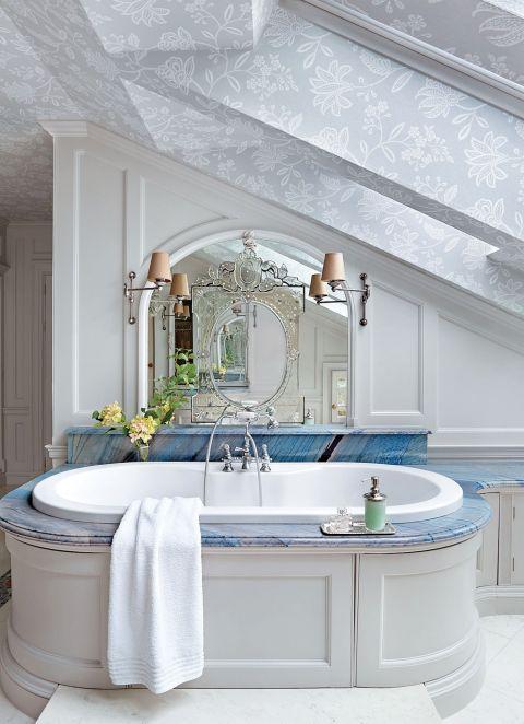 dekoracje do łazienki w stylu pałacowym