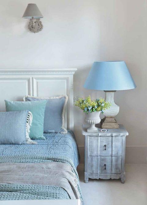 niebieska sypialnia aranżacje