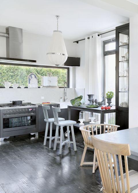 nowoczesne wnętrze kuchni metal