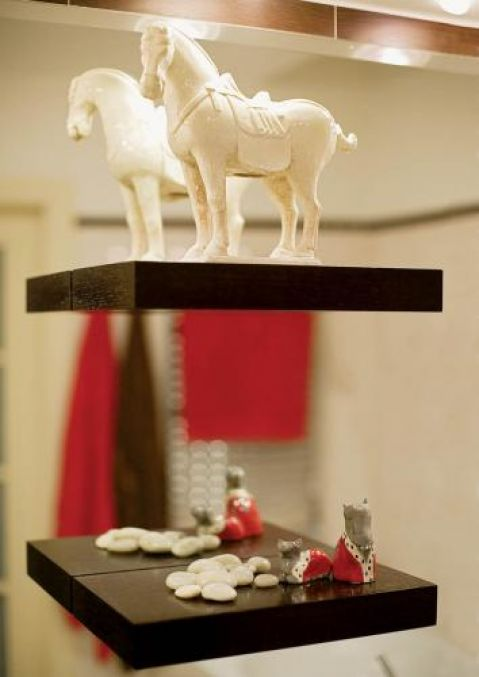 Nawet w łazience znajdziemy figurki koni.