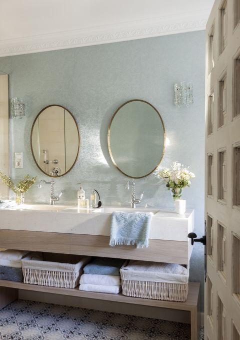 jak odmienić łazienkę dodatkami