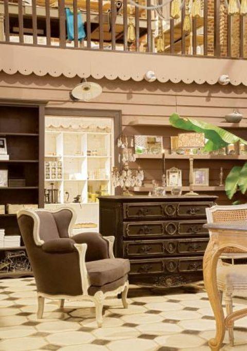 Farma pełna pięknych staroci. Łazienka, projektant, artysta, kuchnia, sypialnia, salon, dom artysty, jadalnia, andrée leblanc, farma, aranżacje