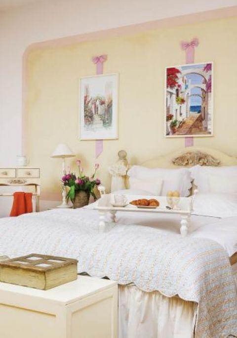 Sypialnia w stylu prowansalskim. Polo i śródziemnomorskie klimaty