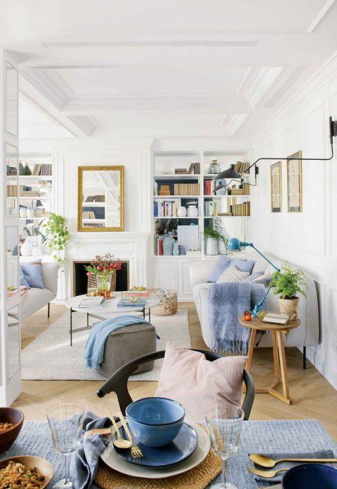 mieszkanie na poddaszu jasny salon