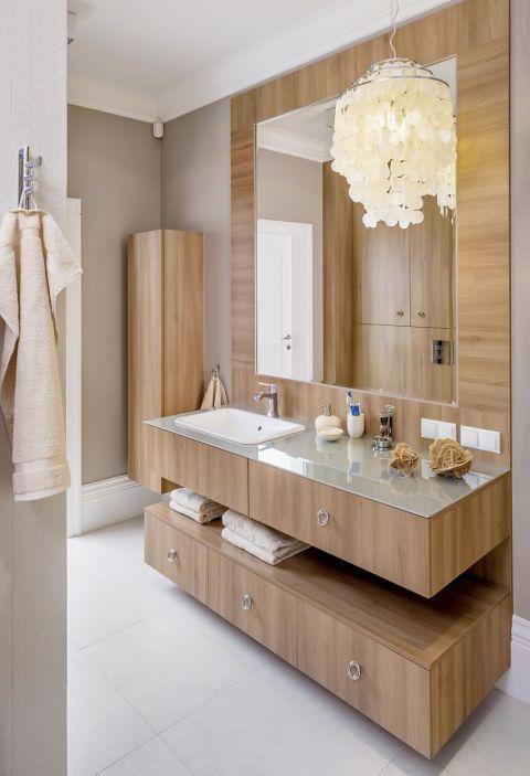 w klasycznym stylu łazienka drewno