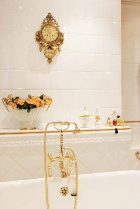 Dekoracje w łazience. Rokokowy apartament