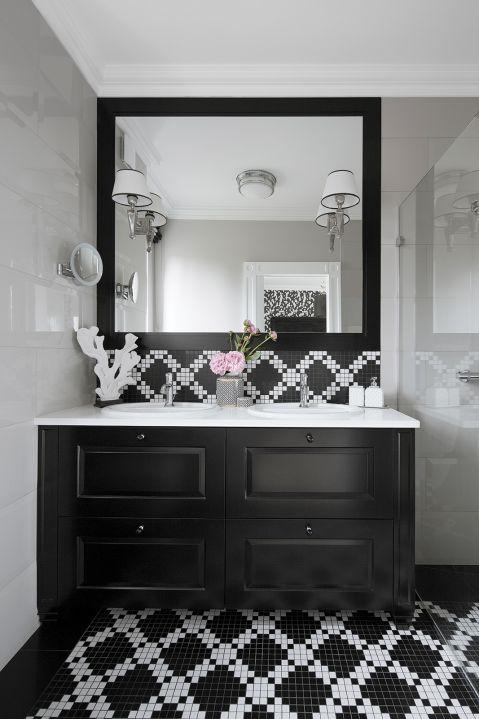 czarno-biała łazienka