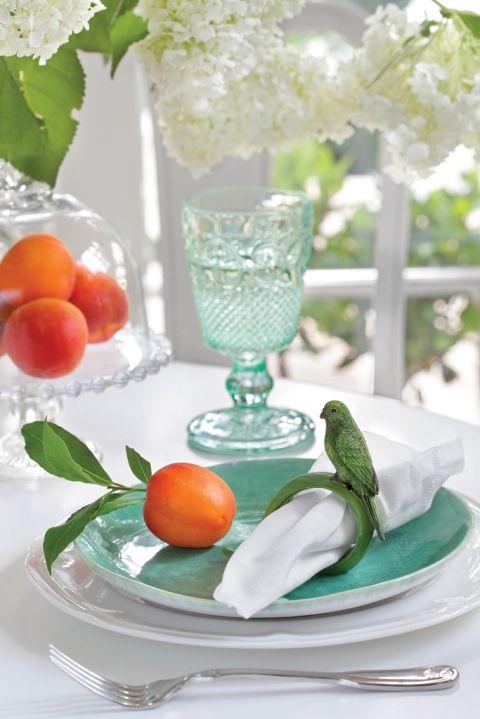 dekoracje białego stołu