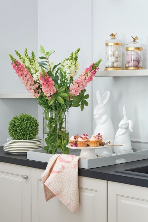 pastelowe dekoracje do kuchni na wielkanoc