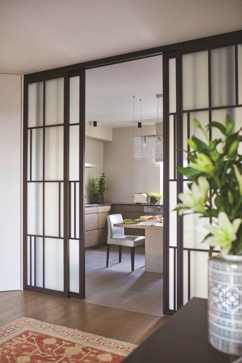 dom w stylu eklektycznym szklane drzwi