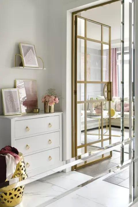 przedpokój glamour biało złoty