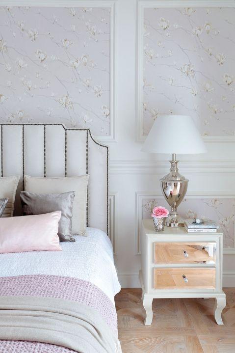 sypialnia w stylu francuskim różowe dodatki
