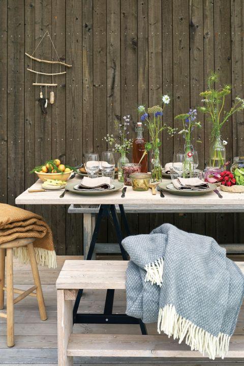 przyjęcie w ogrodzie dekoracje w stylu rustykalnym