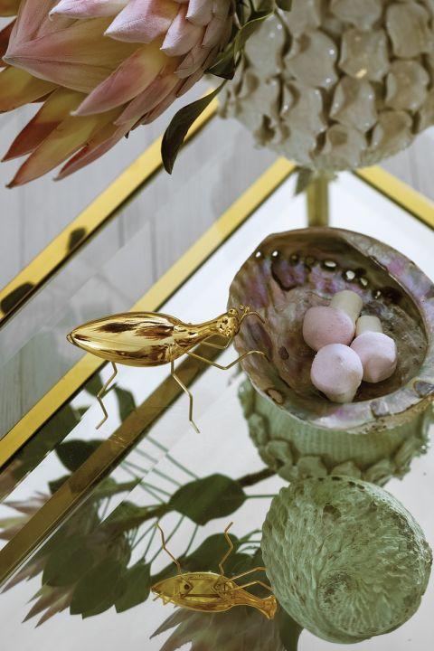 złote dekoracje i dodatki