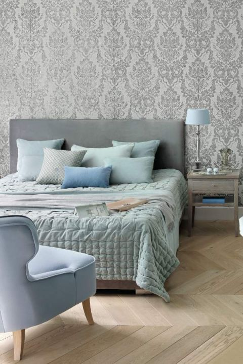 tapeta glamour w sypialni
