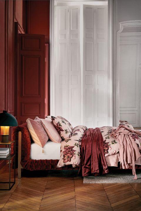 różowa sypialnia aranżacje