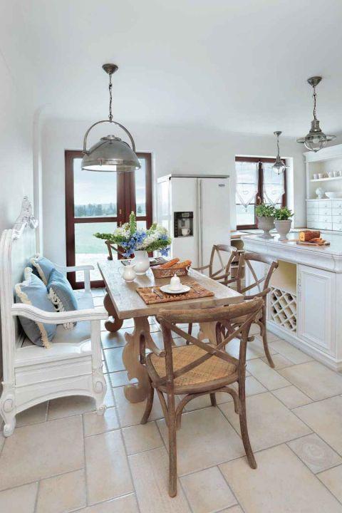 styl loftowy z francuską klasyką wyspa w kuchni