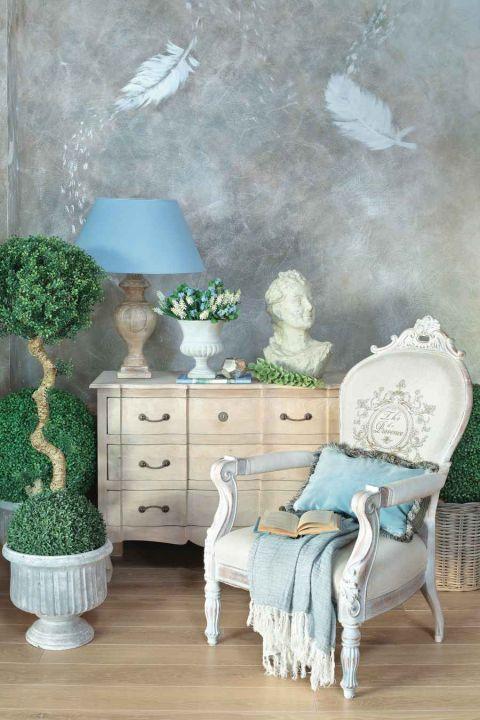 styl loftowy z francuską klasyką mural