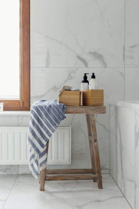 styl skandynawski biała łazienka